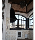 Мангальный комплекс вписанный в интерьер кухни